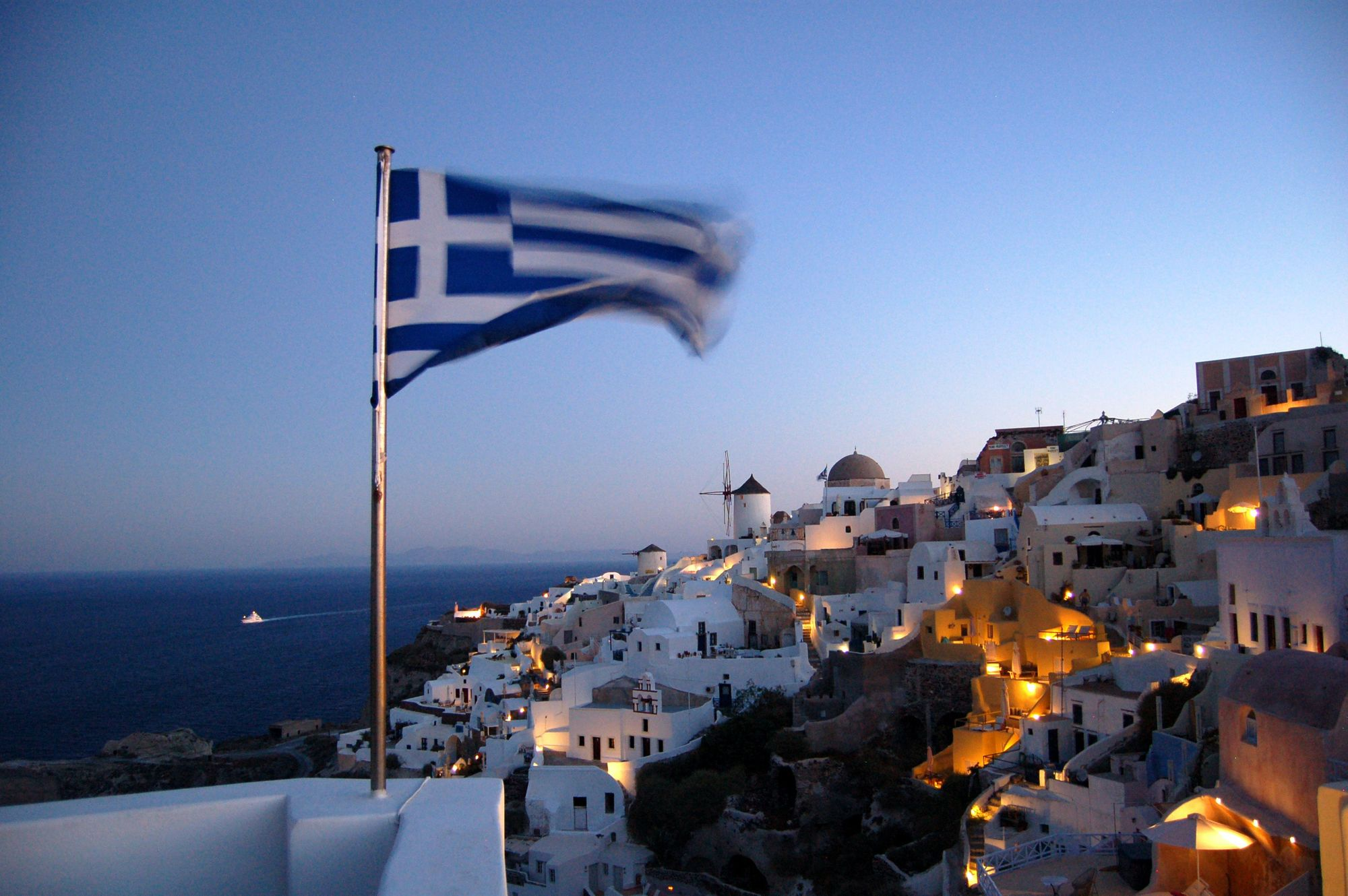 Greece and its well know sunsets will be one of the english favourites destinations after lockdowns end.